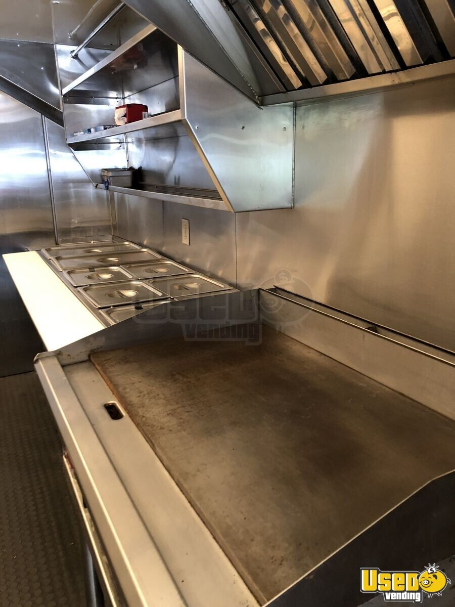 1995 P30 Step Van Kitchen Food Truck All-purpose Food Truck Prep Station Cooler Iowa Gas Engine for Sale - 8