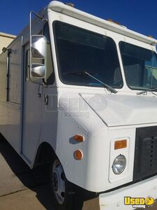 1995 P30 Step Van Kitchen Food Truck All-purpose Food Truck Stainless Steel Wall Covers Oklahoma Gas Engine for Sale