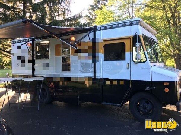 1996 Chevy Grumman Coffee Truck Michigan Gas Engine for Sale