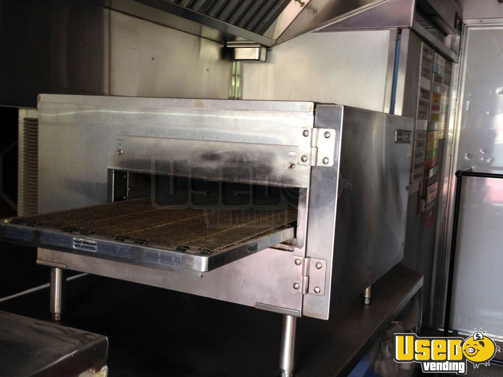 1996 Grumman Catering Food Truck Cabinets California Gas Engine for Sale - 4