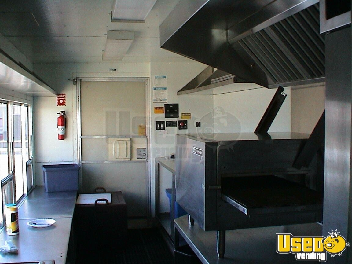 1996 Grumman Catering Food Truck Removable Trailer Hitch California Gas Engine for Sale - 3