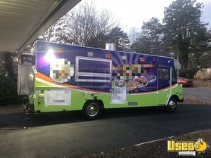1996 Low Mileage Kitchen Food Truck All-purpose Food Truck Cabinets New York Diesel Engine for Sale