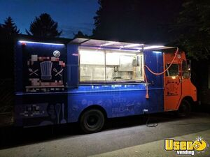 1996 P30 Step Van Kitchen Food Truck All-purpose Food Truck Cabinets Pennsylvania Diesel Engine for Sale