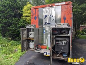 1996 P30 Step Van Kitchen Food Truck All-purpose Food Truck Exterior Customer Counter Pennsylvania Diesel Engine for Sale