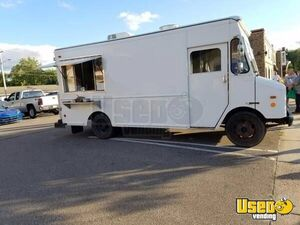 1997 14' P30 Step Van Kitchen Food Truck All-purpose Food Truck Wisconsin for Sale