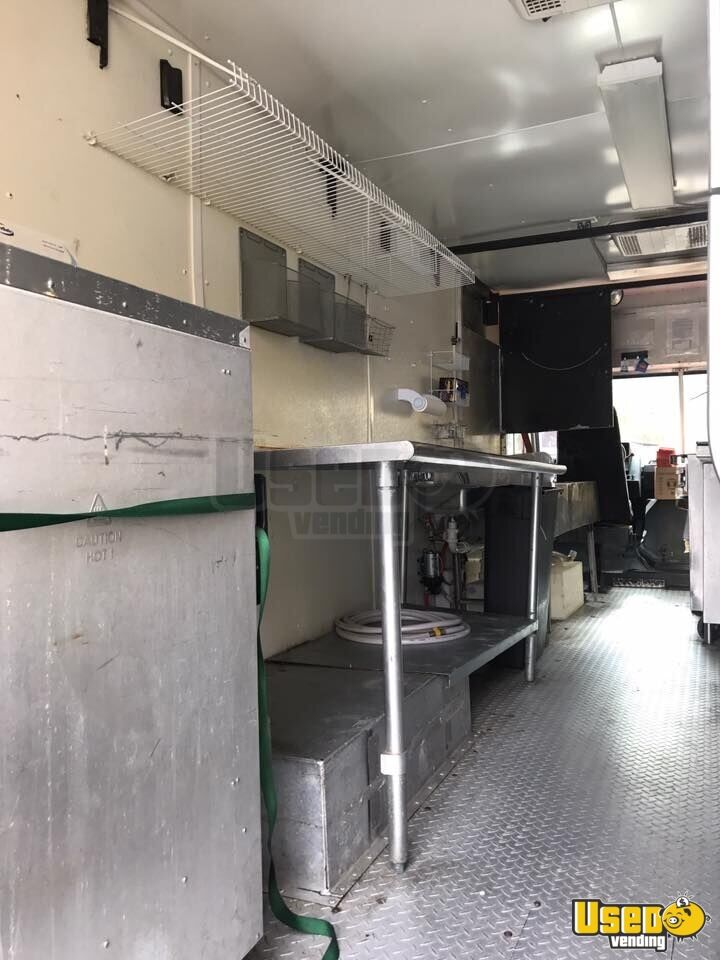 1997 27' P30 Step Van Kitchen Food Truck All-purpose Food Truck Concession Window Alabama Gas Engine for Sale - 3