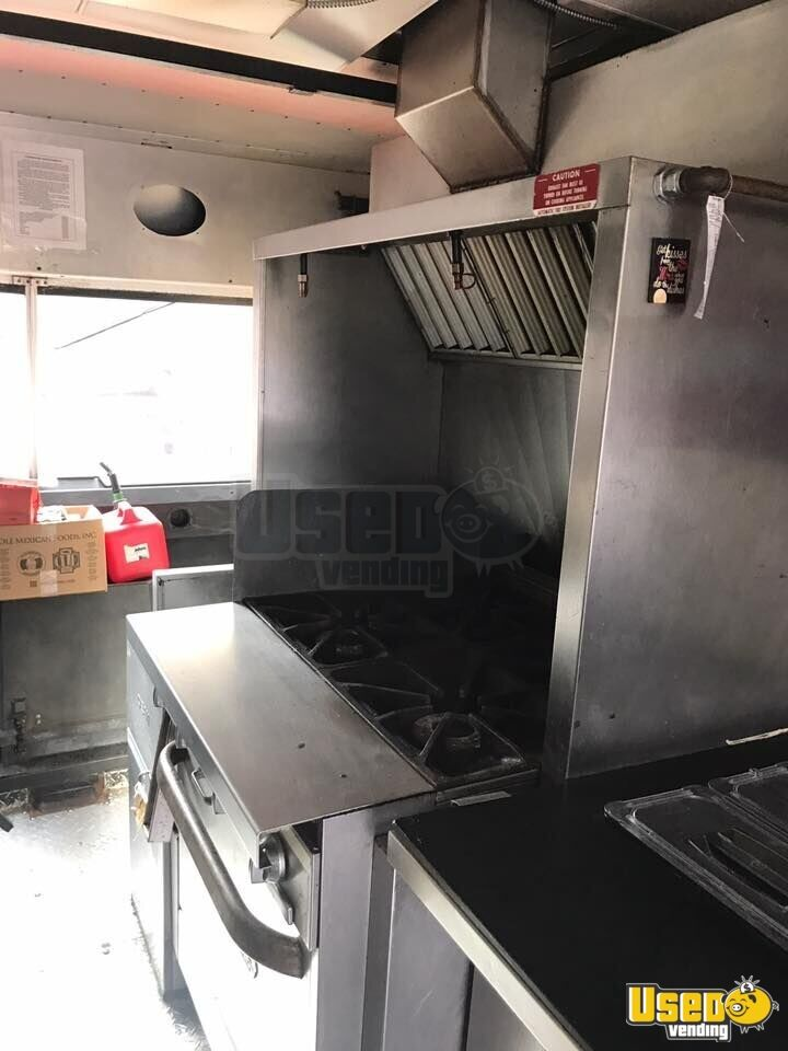 1997 27' P30 Step Van Kitchen Food Truck All-purpose Food Truck Exterior Customer Counter Alabama Gas Engine for Sale - 6