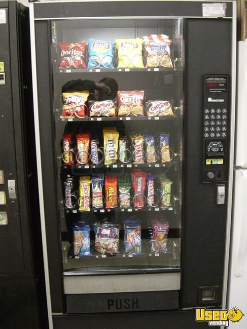1997 Automatic Products Automatic Products Snack Machine Massachusetts for Sale