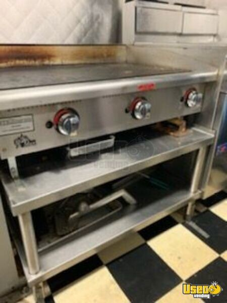 1997 Chevy Workhorse P30 All-purpose Food Truck Work Table Connecticut Gas Engine for Sale - 19
