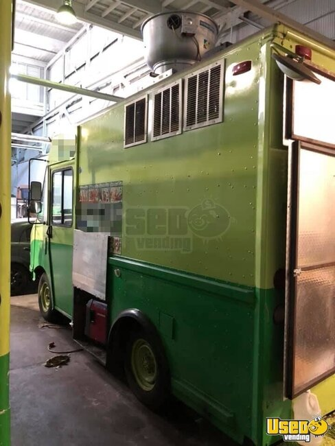 1997 P30 Step Van Kitchen Food Truck All-purpose Food Truck Concession Window Virginia Gas Engine for Sale