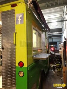 1997 P30 Step Van Kitchen Food Truck All-purpose Food Truck Stainless Steel Wall Covers Virginia Gas Engine for Sale