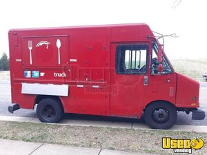 1997 P3500 Step Van Kitchen Food Truck All-purpose Food Truck Concession Window Virginia Diesel Engine for Sale