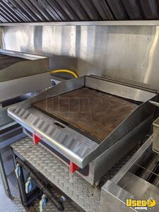 1997 School Bus Kitchen Bustaurant Food Truck All-purpose Food Truck Diamond Plated Aluminum Flooring Texas Diesel Engine for Sale
