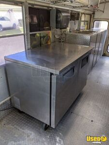 1997 School Bus Kitchen Bustaurant Food Truck All-purpose Food Truck Generator Texas Diesel Engine for Sale