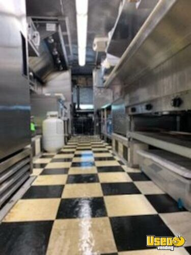 1997 Workhorse P30 Step Van Kitchen Food Truck All-purpose Food Truck Exhaust Hood Connecticut Gas Engine for Sale - 16