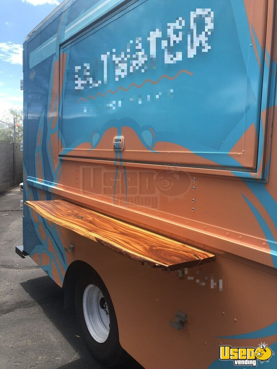 1998 Chevrolet P30 All-purpose Food Truck Cabinets Arizona Gas Engine for Sale - 4