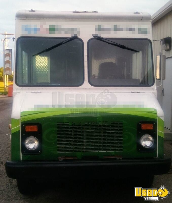 1998 Chevrolet P41 Step Van All-purpose Food Truck Stainless Steel Wall Covers Kansas Gas Engine for Sale - 2
