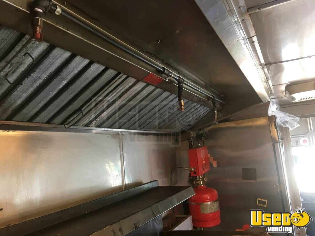 1998 Chevy P30 All-purpose Food Truck Exterior Customer Counter Arizona Diesel Engine for Sale - 7