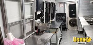 1998 P30 Catering Food Bus All-purpose Food Truck Oven Colorado Gas Engine for Sale