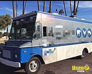 1998 P30 Step Van Kitchen Food Truck All-purpose Food Truck Air Conditioning Arizona Diesel Engine for Sale