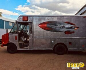 1998 Utilimaster Ice Cream Truck Ice Cream Truck Exterior Customer Counter Alberta Gas Engine for Sale