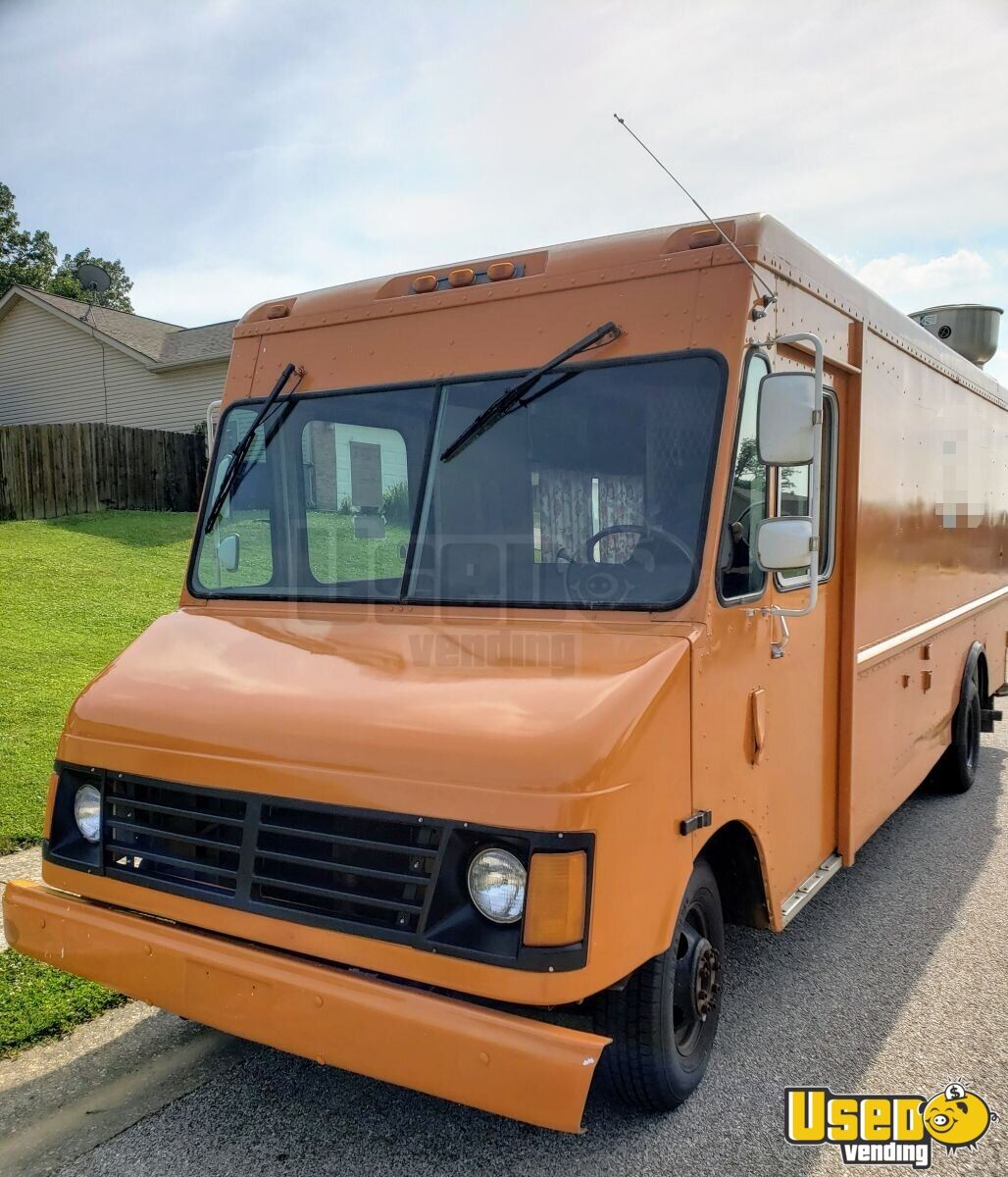 1999 Chevrolet P30 All-purpose Food Truck Cabinets Indiana Gas Engine for Sale - 4