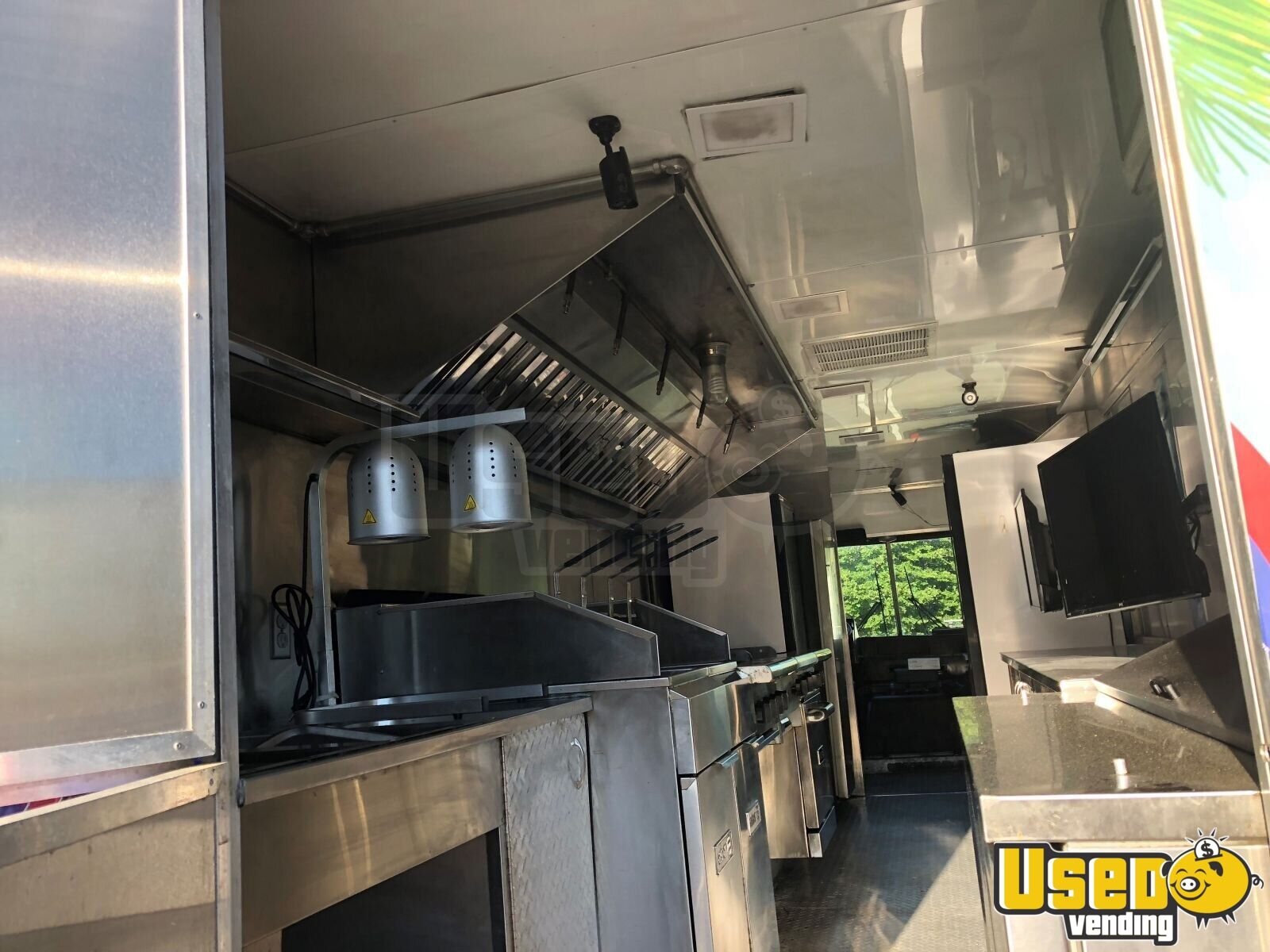 1999 Chevrolet P30 Step Van Food Truck Prep Station Cooler Connecticut Diesel Engine for Sale - 11