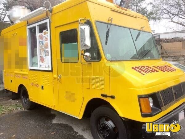 Chevy Workhorse Food Truck Mobile Kitchen for Sale in Massachusetts!!!
