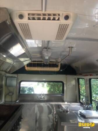 1999 E-350 Van Kitchen Food Truck All-purpose Food Truck Extra Concession Windows Texas Gas Engine for Sale - 22