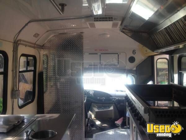 1999 E-350 Van Kitchen Food Truck All-purpose Food Truck Interior Lighting Texas Gas Engine for Sale - 13