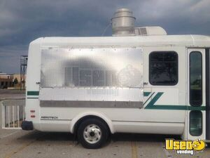 1999 E-350 Van Kitchen Food Truck All-purpose Food Truck Stainless Steel Wall Covers Texas Gas Engine for Sale