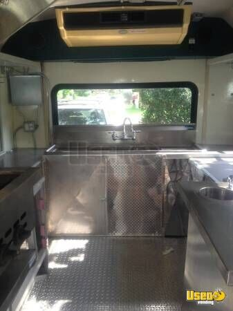 1999 E-350 Van Kitchen Food Truck All-purpose Food Truck Triple Sink Texas Gas Engine for Sale - 17