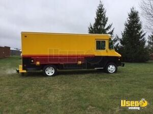 1999 Food Concession Trailer Concession Trailer Air Conditioning Illinois Gas Engine for Sale