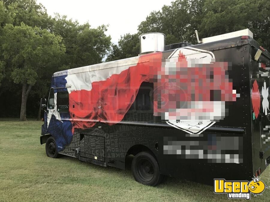 Freightliner Food Truck for Sale in Texas!!!