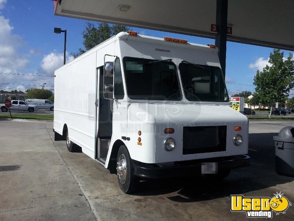 Freightliner Food Truck for Sale in Florida!!!