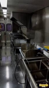 1999 Gmc Grumman All-purpose Food Truck Diamond Plated Aluminum Flooring New Jersey Gas Engine for Sale