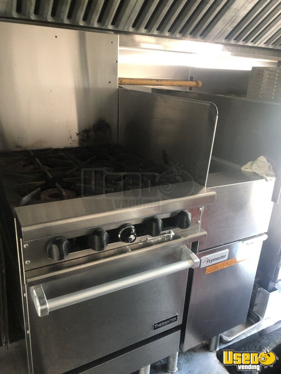1999 Gruman Utilimaster 22' Barbecue Food Truck Diamond Plated Aluminum Flooring Ontario Gas Engine for Sale - 4