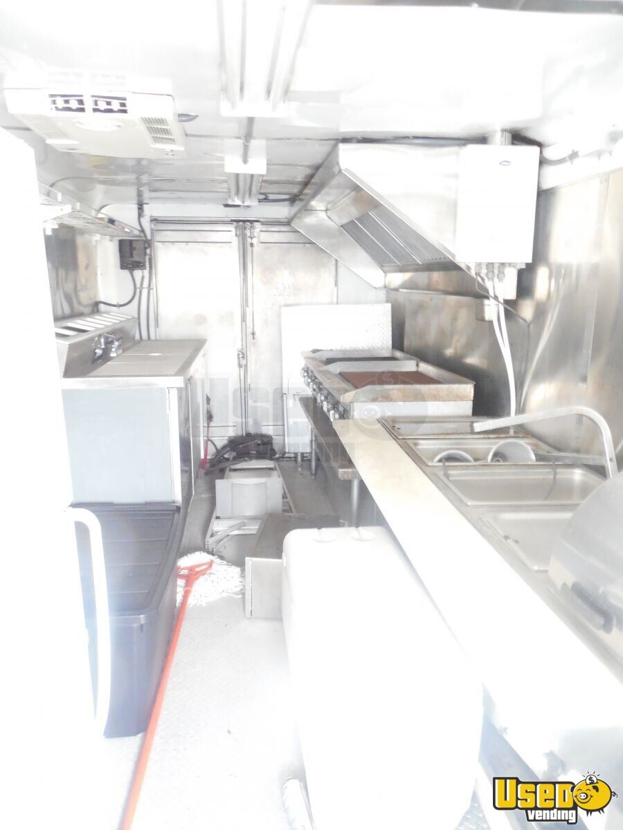 1999 Grumman Olson P30 20' Food Truck Awning Florida for Sale - 4