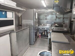 1999 Mwv Kitchen Food Truck All-purpose Food Truck Insulated Walls Florida Diesel Engine for Sale