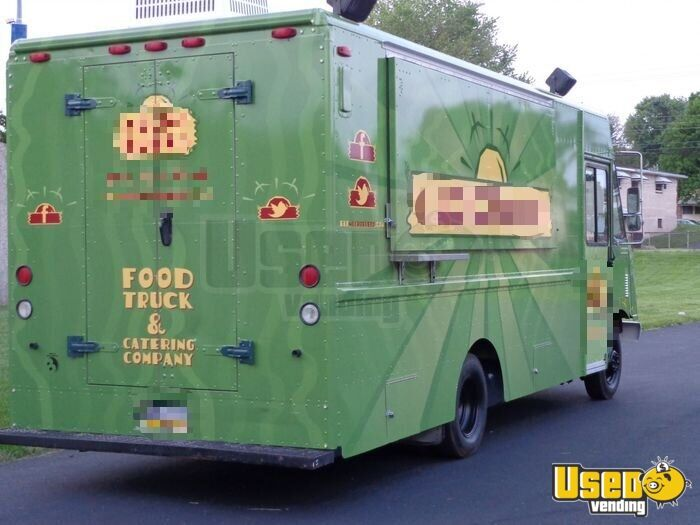 1999 P30 Kitchen Food Truck All-purpose Food Truck Air Conditioning Pennsylvania Gas Engine for Sale - 2