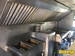 1999 P30 Kitchen Food Truck All-purpose Food Truck Cabinets Pennsylvania Gas Engine for Sale