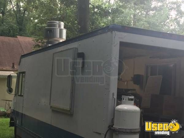 1999 P30 Step Van Kitchen Food Truck All-purpose Food Truck Fryer Georgia Gas Engine for Sale
