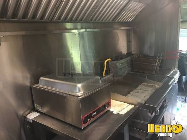 1999 P30 Step Van Kitchen Food Truck All-purpose Food Truck Hot Water Heater Georgia Gas Engine for Sale