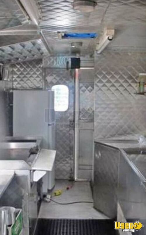 Ready To Cook Used Chevrolet P30 Stepvan Kitchen Food