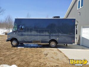 1999 P32 Kitchen Food Truck All-purpose Food Truck Cabinets Michigan Diesel Engine for Sale