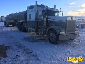 1999 W900 Sleeper Cab Semi Truck Kenworth Semi Truck 2 Wyoming for Sale