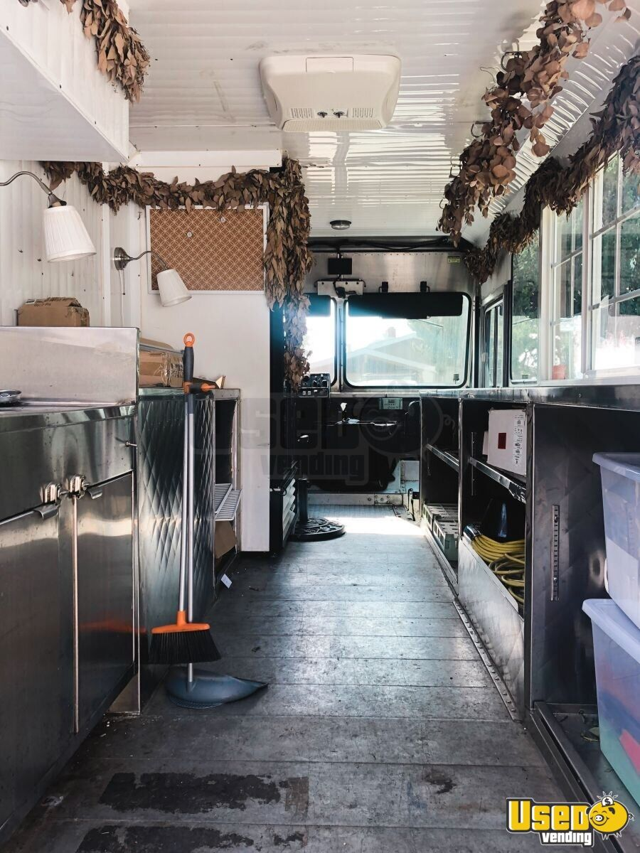 1999 Workhorse Step Van Mobile Flower Shop Other Mobile Business Concession Window California Gas Engine for Sale - 3