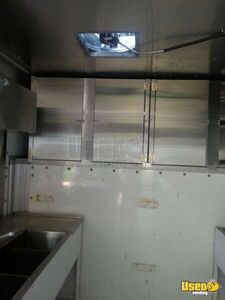 2000 17' E-350 Van Kitchen Food Truck All-purpose Food Truck Fire Extinguisher Texas Gas Engine for Sale