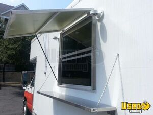 2000 17' E-350 Van Kitchen Food Truck All-purpose Food Truck Flatgrill Texas Gas Engine for Sale