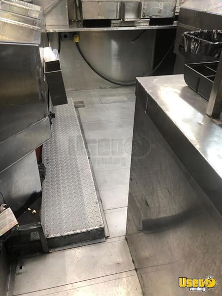2000 Chevrolet P30 Food Truck Stainless Steel Wall Covers New York for Sale - 3